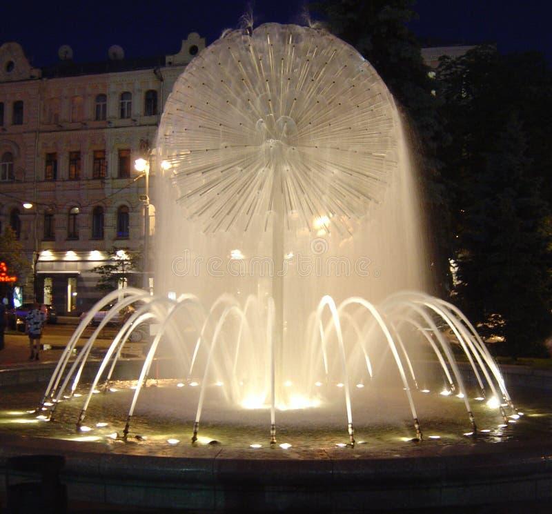 Fontana a Mydan, Kiev immagine stock