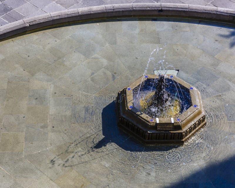 Fontana nel castello in Città del Messico, Messico di Chapultepec fotografia stock libera da diritti