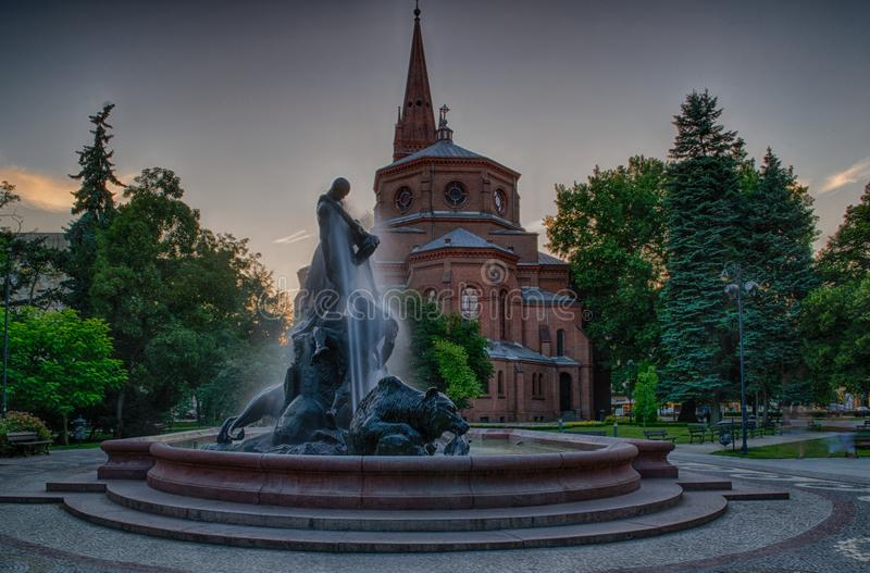 Fontana nella città di Bydgoszcz, Polonia fotografie stock libere da diritti