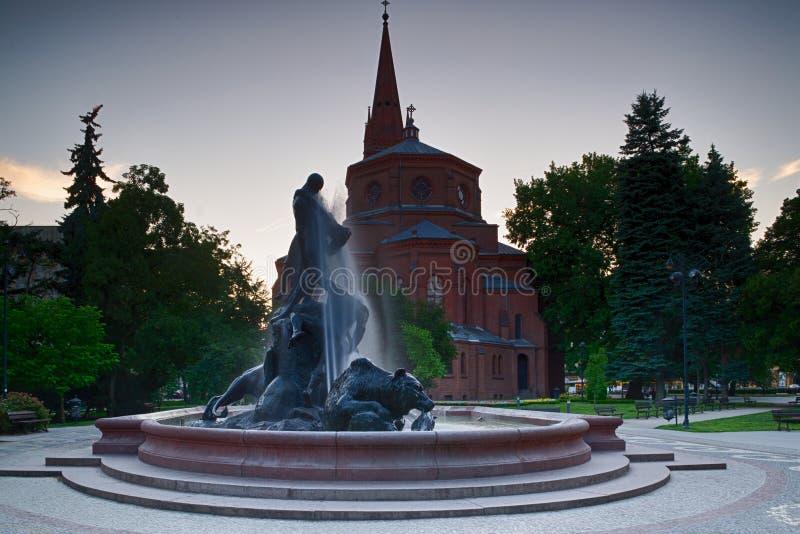 Fontana nella città di Bydgoszcz, Polonia immagini stock