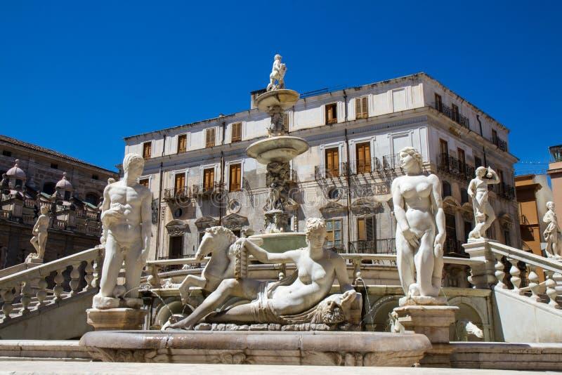 Fontana Pretoria di Palermo fotografia stock libera da diritti