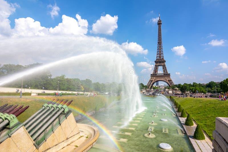 Fontane di Trocadero e della torre Eiffel, Parigi, Francia fotografia stock