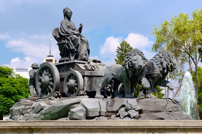 Fontanna Cibeles przy Colonia Roma w Meksyk obrazy stock