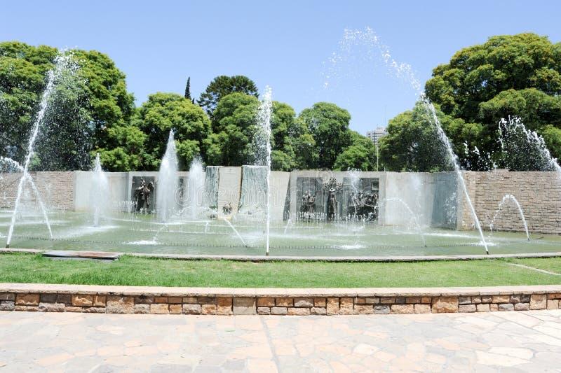 Fontanna i zabytek przy niezależnością obciosujemy w Mendoza zdjęcia stock