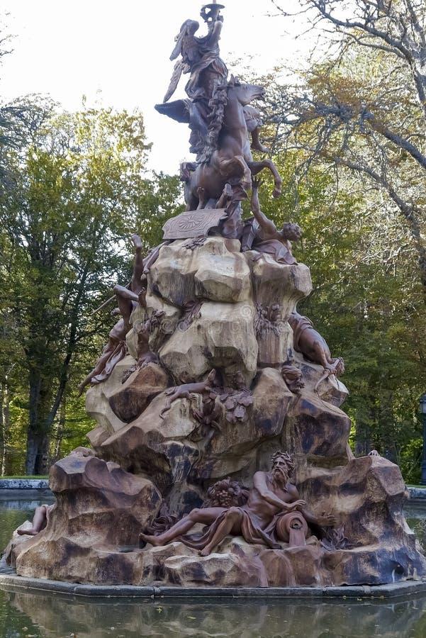 Fontanna sława w ogródach los angeles Granja De San Ildefonso zdjęcie royalty free