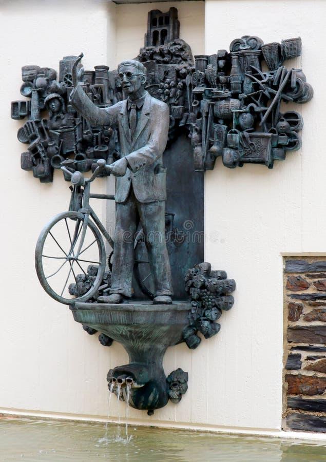 Fontanna w miasteczku Traben-Trarbach, Niemcy obraz royalty free
