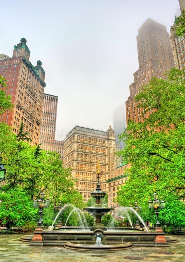 Fontanna w urzędu miasta parku - Manhattan, Miasto Nowy Jork zdjęcia stock