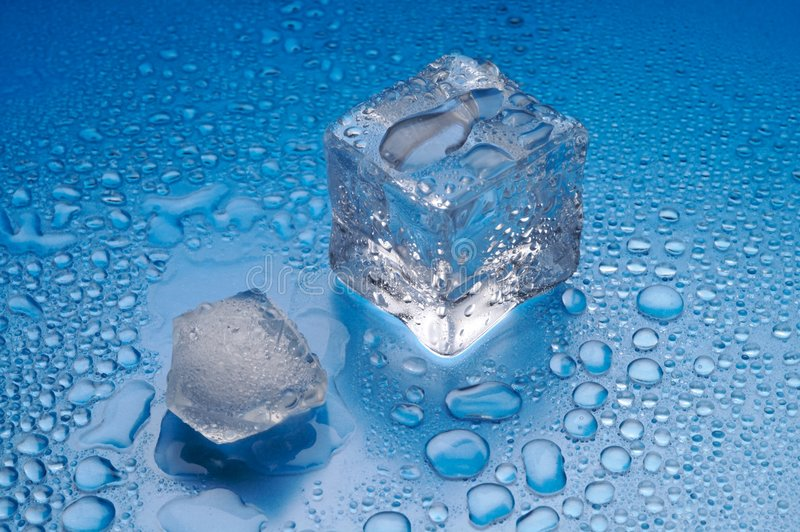 fonte bleue de glace de fond photos libres de droits