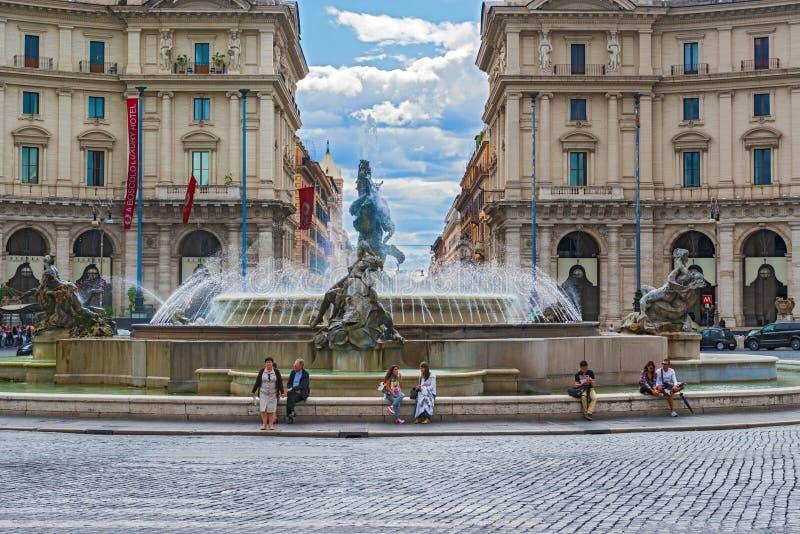 Fonte das náiades no della Repubblica da praça em Roma, taly foto de stock royalty free