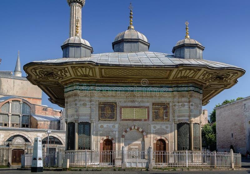 Fonte de Ahmed III, Istambul imagem de stock