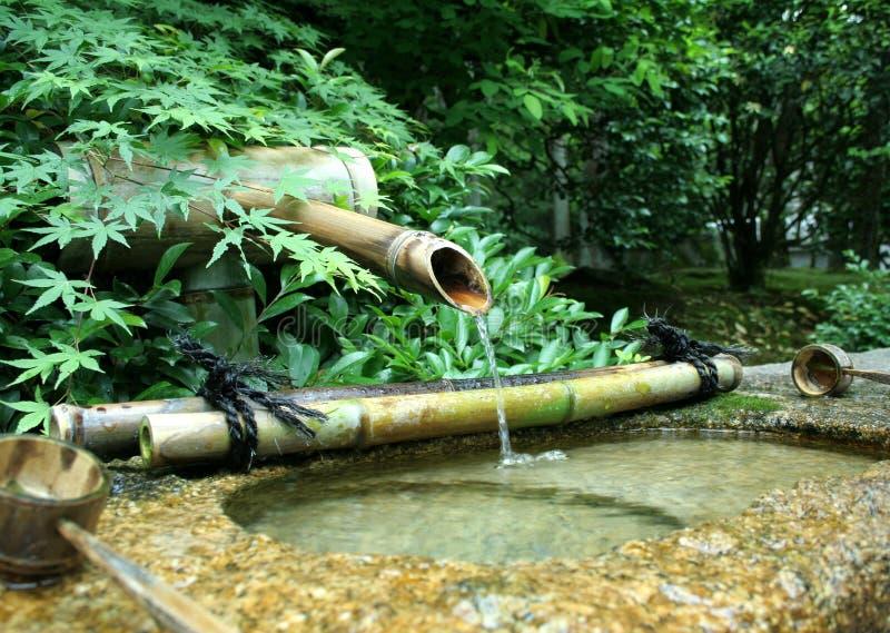 Fonte de bambu japonesa fotografia de stock