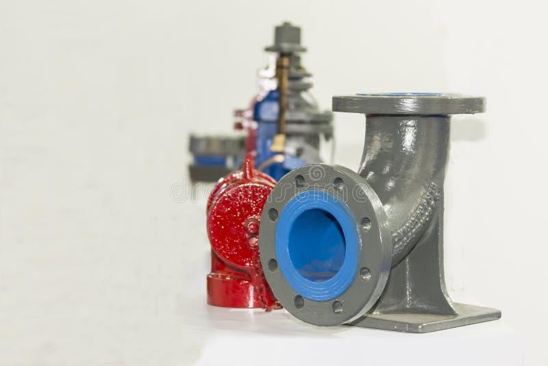 Fonte de couleur ou diviseur en acier de pièce en t de coude de tuyau avec le bâti de bride pour la centrale industrielle ou de c photos stock
