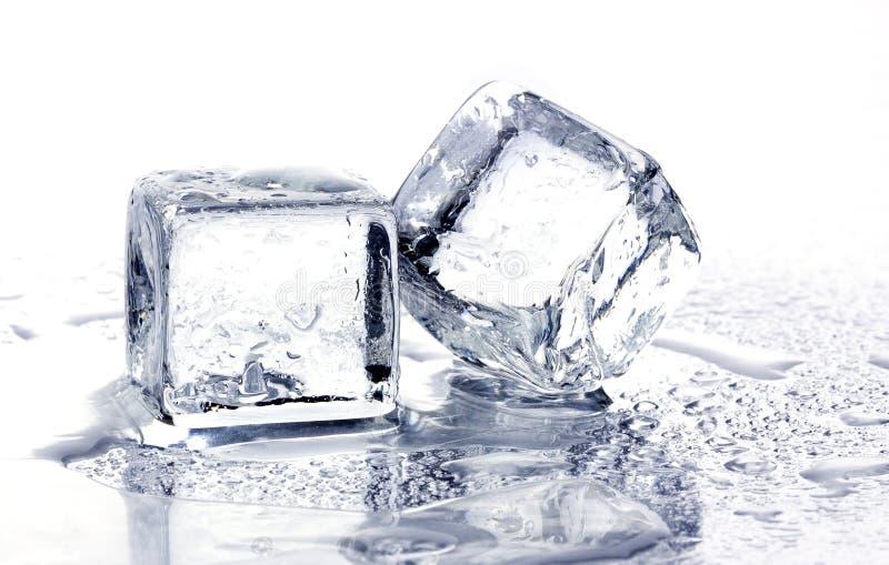 fonte de glace de cubes photo stock