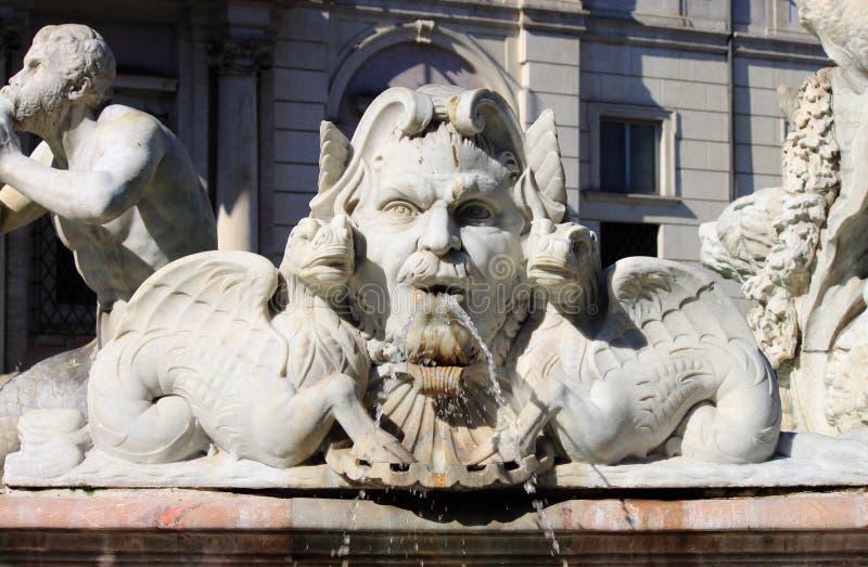 Fonte de mármore no quadrado de Navona, Roma fotos de stock