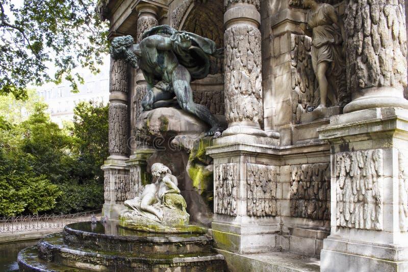 Fonte de Medici & x28; Fontaine Medicis& x29; imagem de stock