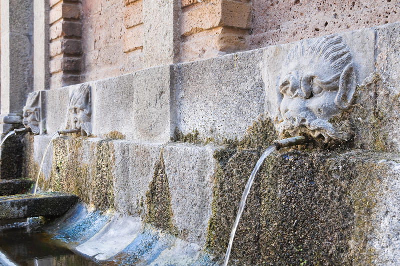 Download Fonte De Rigombro. Acquapendente. Lazio. Itália. Imagem de Stock - Imagem de historic, italy: 26510237