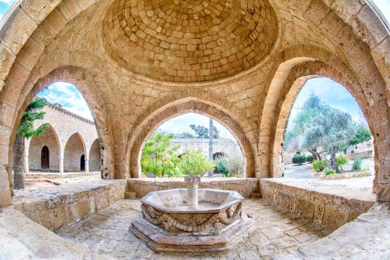 Fonte do monastério de Agia Napa em Chipre 3 imagens de stock royalty free
