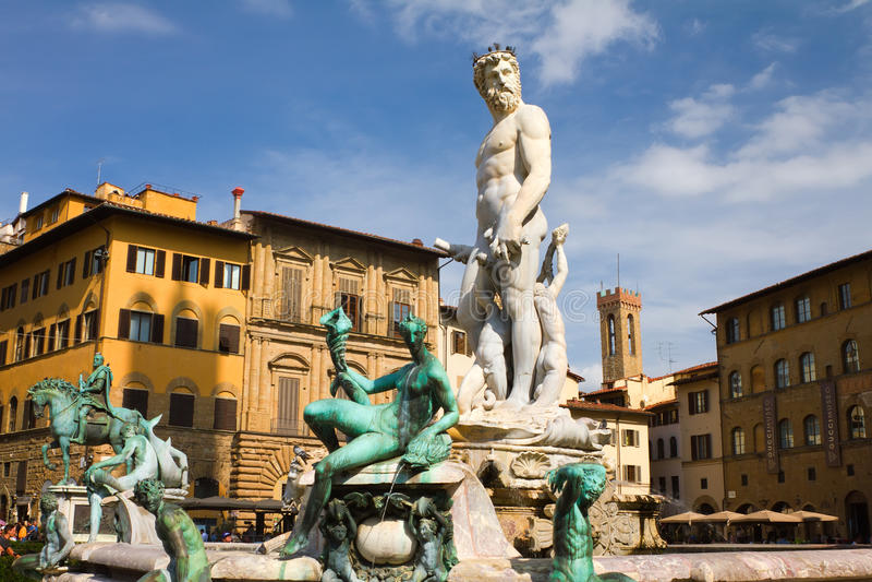 A fonte famosa de Netuno por Bartolomeo Ammannati no della Signoria da praça fotos de stock royalty free
