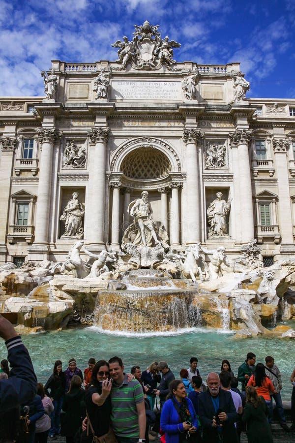 Fonte famosa do Trevi em Roma, Itália imagem de stock