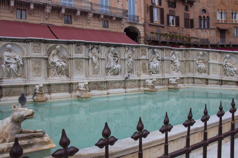 Fonte Gaia o fuente de la alegría, Piazza del Campo, Siena, Toscana, Italia fotografía de archivo libre de regalías