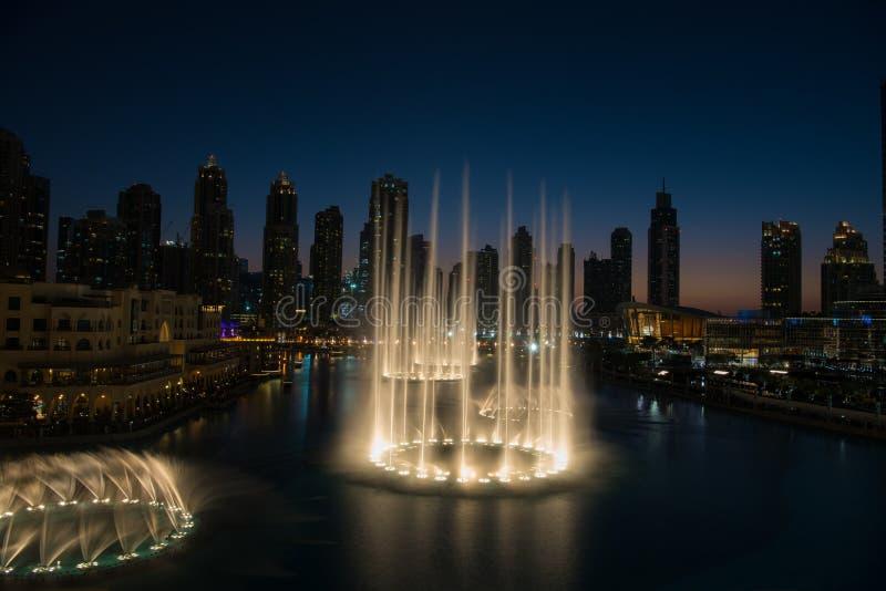 Fonte musical em Dubai imagem de stock