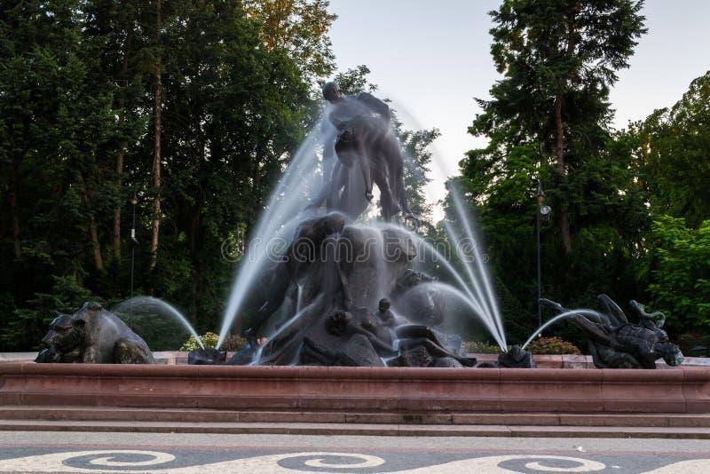 Fonte na cidade de Bydgoszcz, Polônia fotografia de stock royalty free