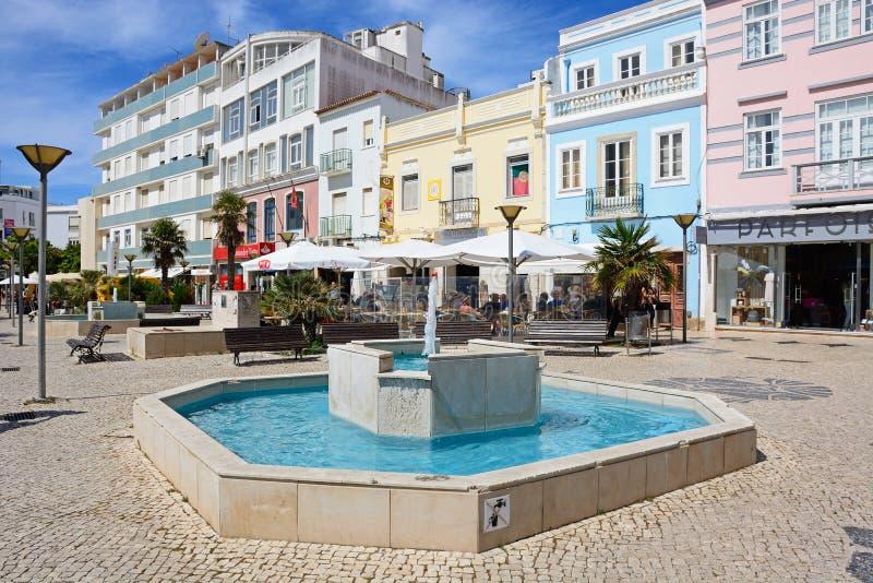 Fonte na cidade, Lagos, Portugal fotografia de stock