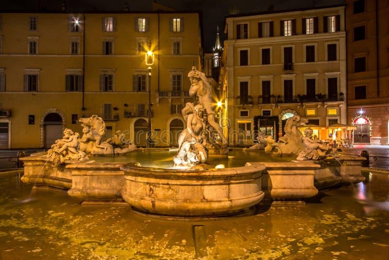 Fonte na praça quadrada Navona em Roma, Itália imagens de stock
