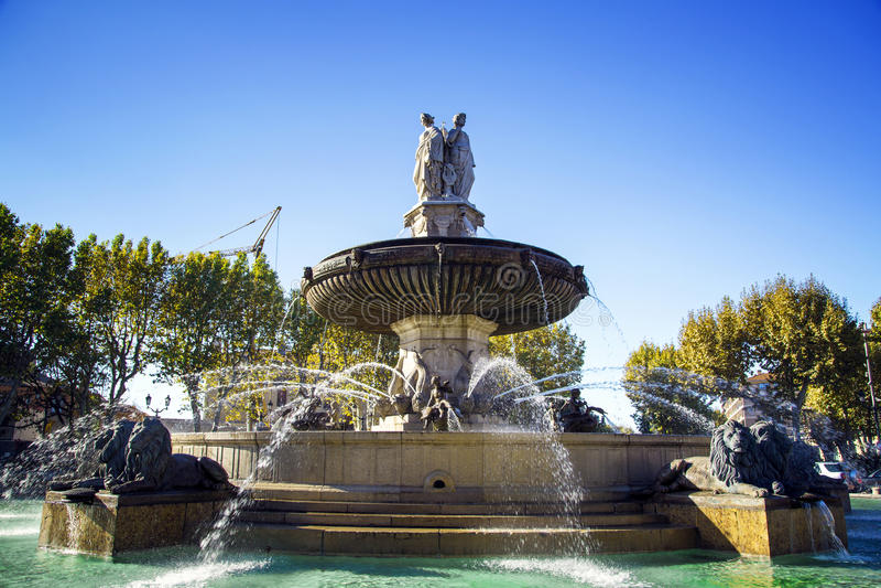 Fonte no La Rotonde, Aix-en-Provence, França fotos de stock