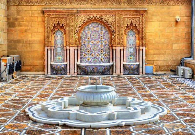 Fonte no mausoléu de Mohammed V em Rabat, Marrocos fotografia de stock