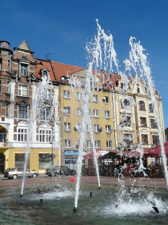 Fonte no quadrado de cidade [rynek], Silesia de BYTOM, Pol?nia foto de stock royalty free