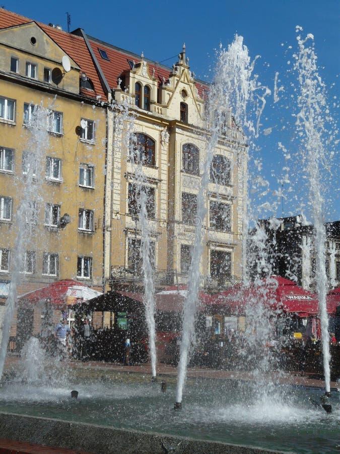 Fonte no quadrado de cidade [rynek], Silesia de BYTOM, Pol?nia imagens de stock