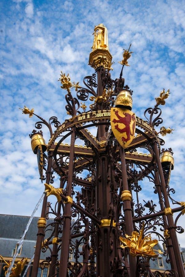 Fonte, o parlamento holandês, antro Haag, Países Baixos fotos de stock royalty free