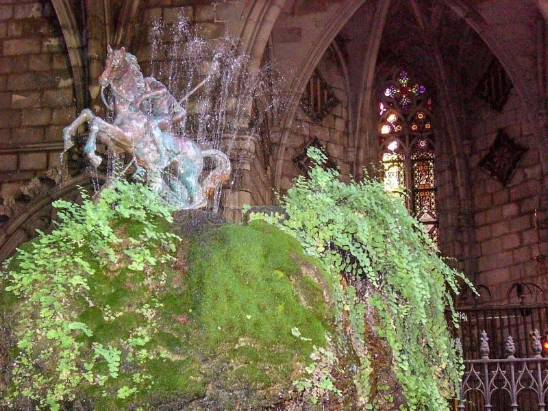 Fontein die uit een ruiterstandbeeld bestaan in Barcelona royalty-vrije stock fotografie