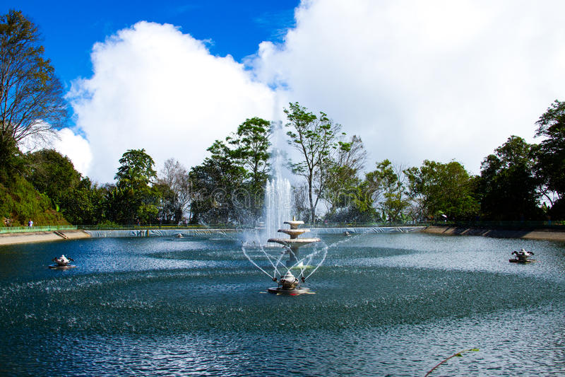 Fontein en reservoirs royalty-vrije stock fotografie