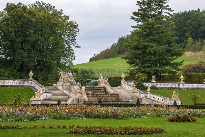 Fontein in kasteeltuin, Cesky Krumlov royalty-vrije stock foto's