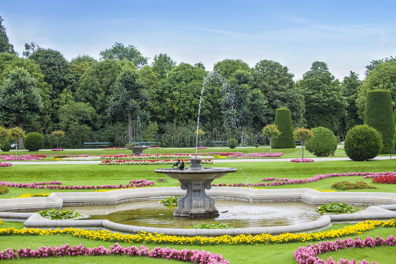 Fontein in park stock afbeelding