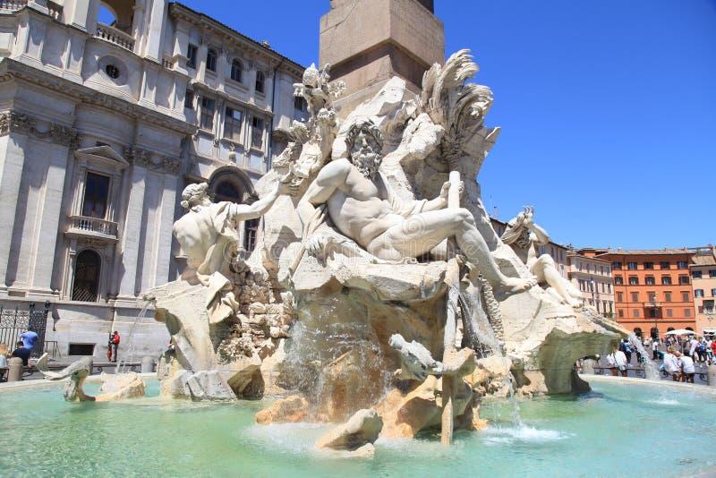 Fontein van de Vier Rivieren in Piazza Navona, Rome, Italië stock afbeelding