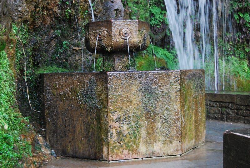 Fontein van de zeven pijpen Covadonga stock foto