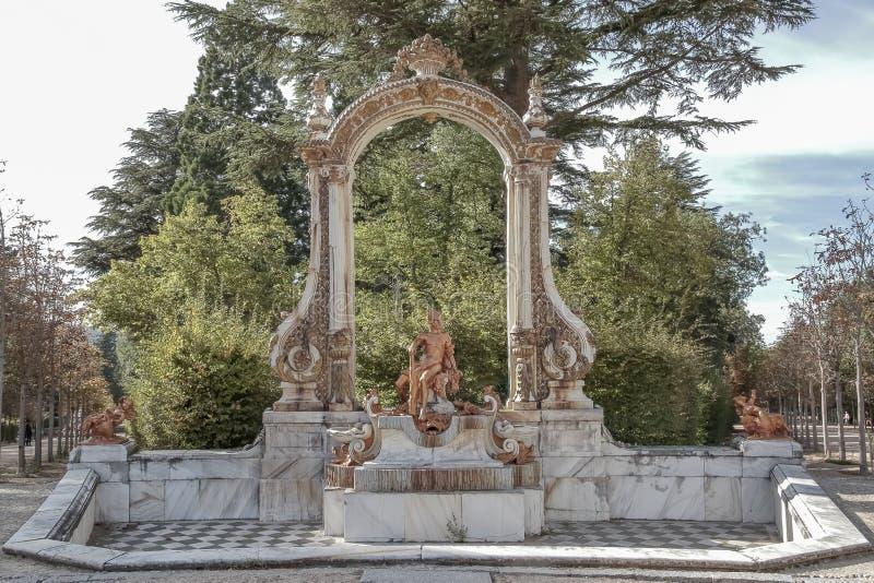 Fontein van hercules in de tuinen van La granja DE San ildefons royalty-vrije stock fotografie