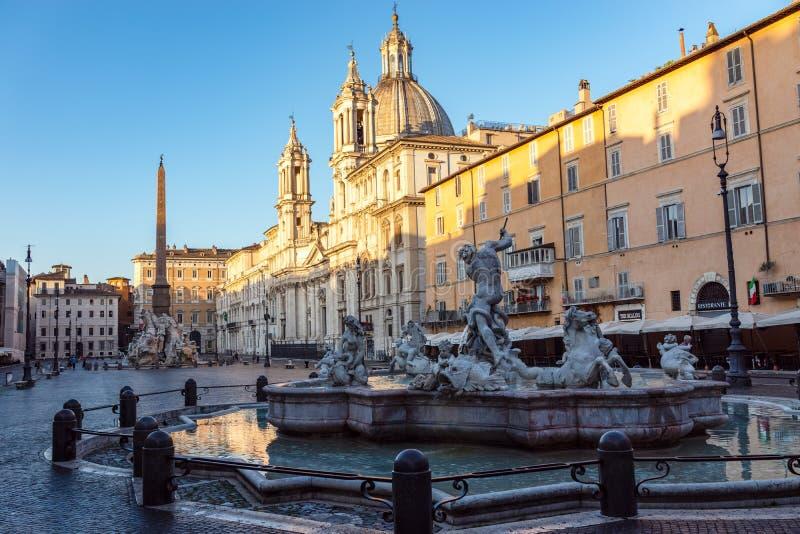 Fontein van Neptunus bij dageraad in Piazza Navona - Rome, Italië royalty-vrije stock afbeelding