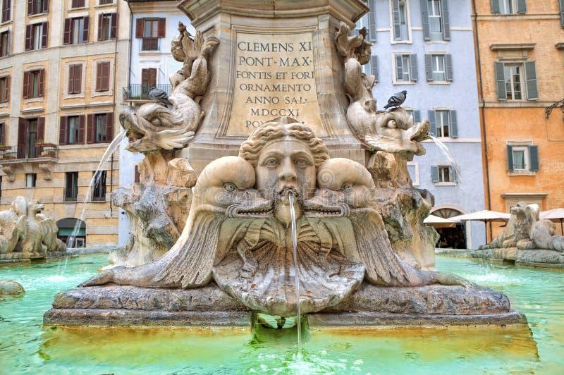 Fontein van Pantheon. Rome, Italië. royalty-vrije stock afbeeldingen