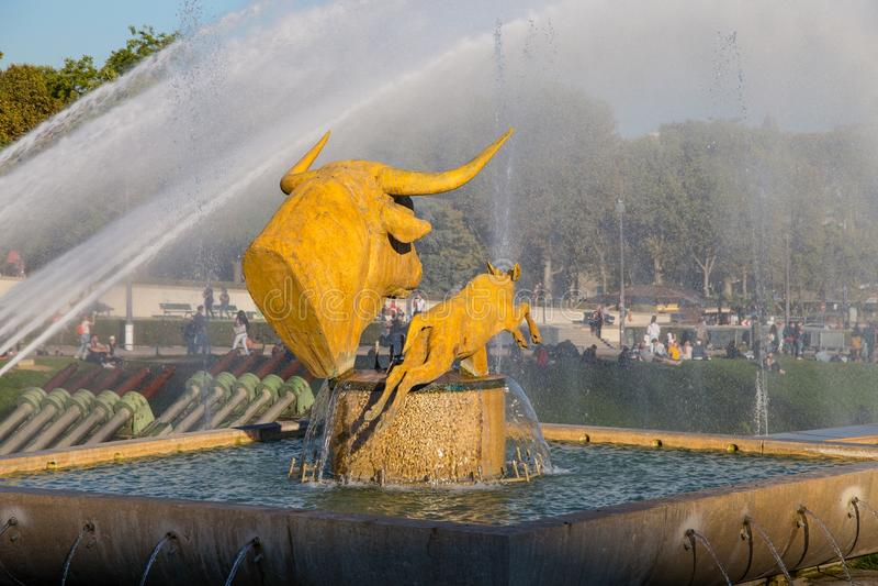 Fontein van Trocadero-Tuinen voor de Toren van Eiffel in Parijs, Frankrijk royalty-vrije stock foto's