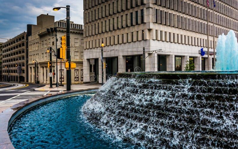 Fonteinen en gebouwen bij Bedstropark in Atlanta van de binnenstad, Duitsland stock afbeelding
