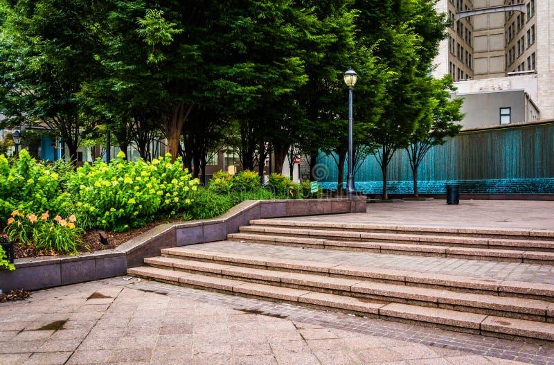Fonteinen en tuin bij Bedstropark in Atlanta van de binnenstad, Georg stock afbeelding