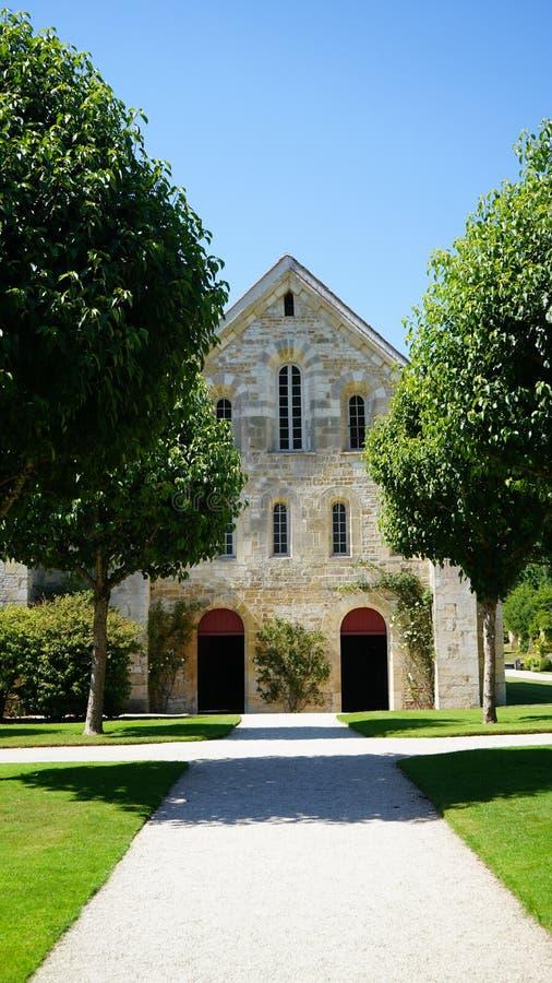 Fontenay Abbey kyrkan, Frankrike royaltyfri foto