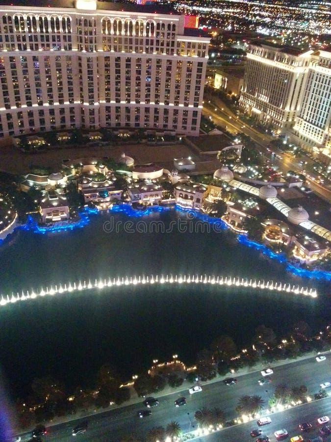 Fontes de Bellagio na noite de cima de fotos de stock royalty free