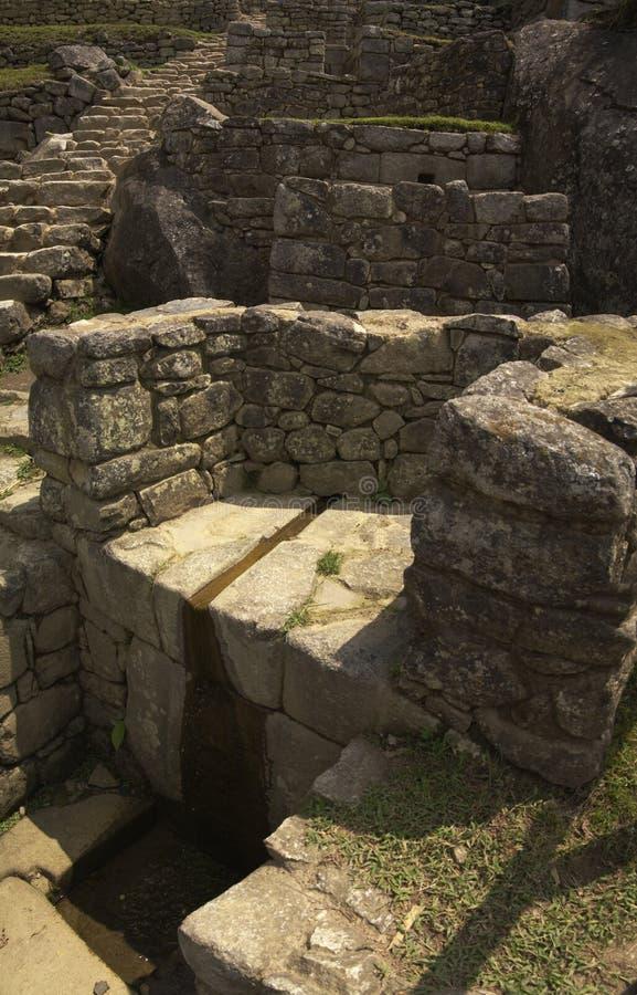 Download Fontes de Machu Picchu imagem de stock. Imagem de peru - 16867073