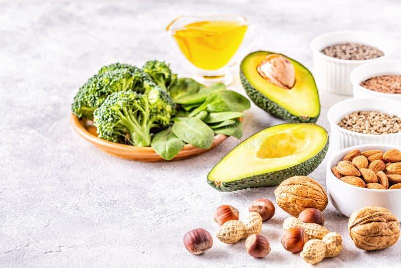 Fontes do vegetariano da ômega 3 e de gorduras não saturadas foto de stock royalty free