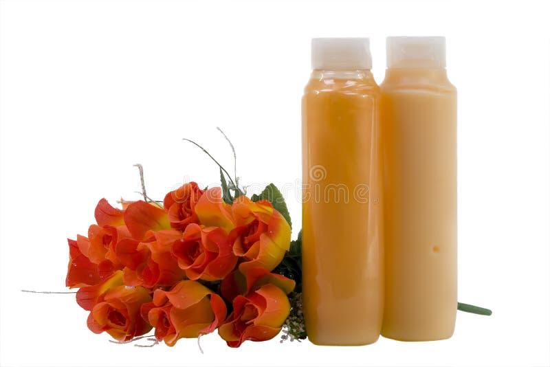 Fontes higiênicas com flores artificiais foto de stock